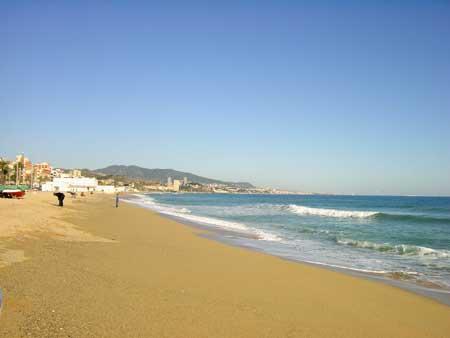 Fotografia de la platja de Badalona el diumenge 14 de novembre de 2004
