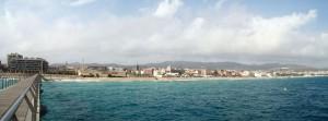 Fotografia de la zona antiga de Badalona. Es poden apreciar les esglesies de Sant Josep i Santa Maria