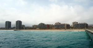 Foto de les noves construccions de la zona del port.
